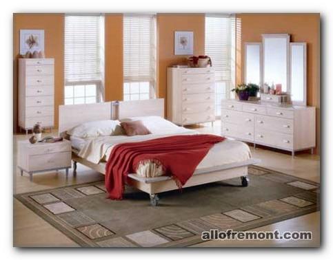 Комод для спальні