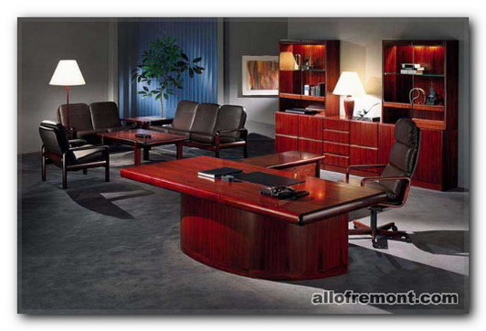 Крісла в кабінеті