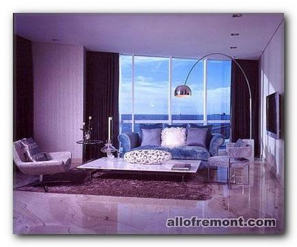Фіолетове настрій у вітальні