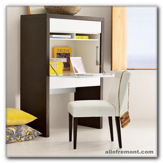 Розташування столу в кабінеті