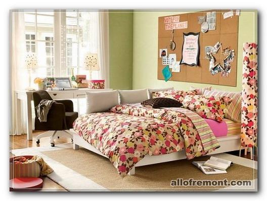 Кімната дівчинки-підлітки