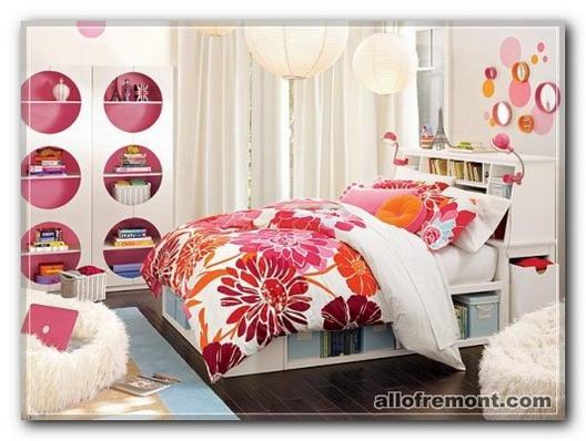 Рожева кімната для дівчаток