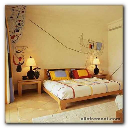Жовта гама в спальні