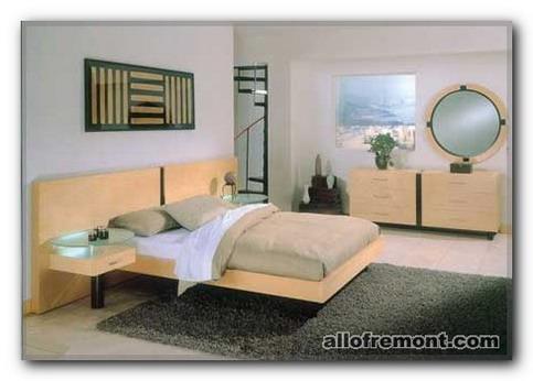 Прікроватній столик у спальні