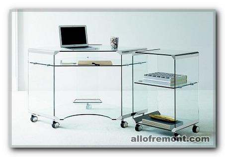 Скляний стіл у кабінет