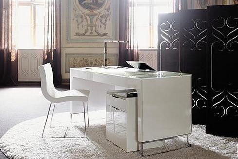 Білий колір в кабінеті