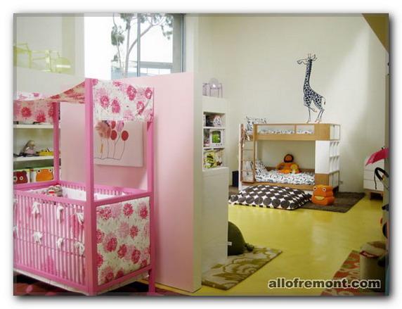 Дитяча кімната для кількох дітей