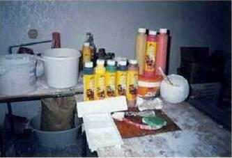 Забарвлення гіпсових виробів, що імітують природний необроблений камінь і інші декоративні матеріали